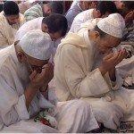 في ختم أحد الرباطات المركزية رفقة رفيقه سيدي محمد العلوي رحمهما الله