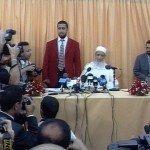 الندوة الصحافية التي عقدها الإمام مباشرة بعد فك الحصار في 20 ماي 2000